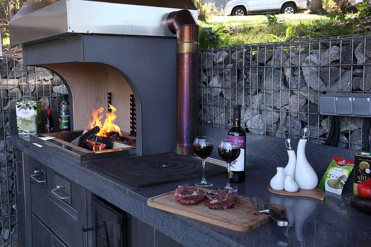 летняя кухня на даче с барбекю