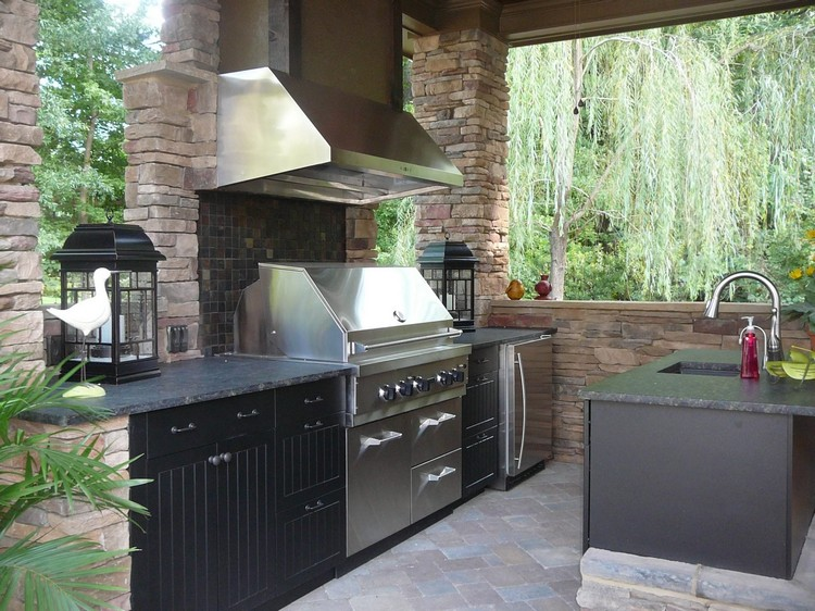 летняя кухня барбекю из кирпича
