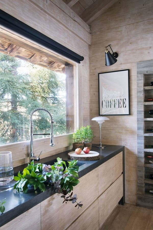 интерьер небольшого деревянного домика