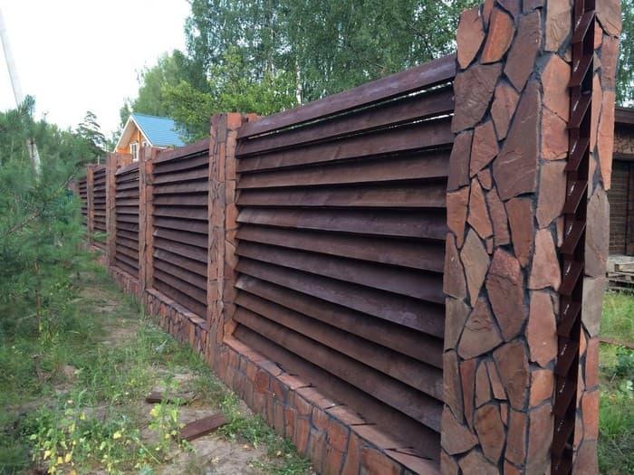 забор загородного участка