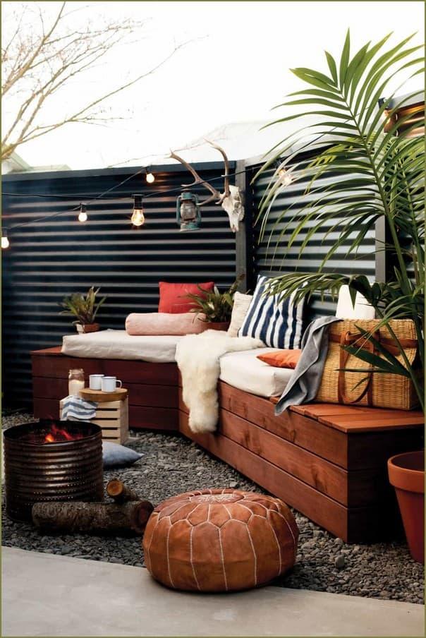 маленький уютный двор