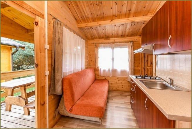 дизайн интерьера маленький дачный дом