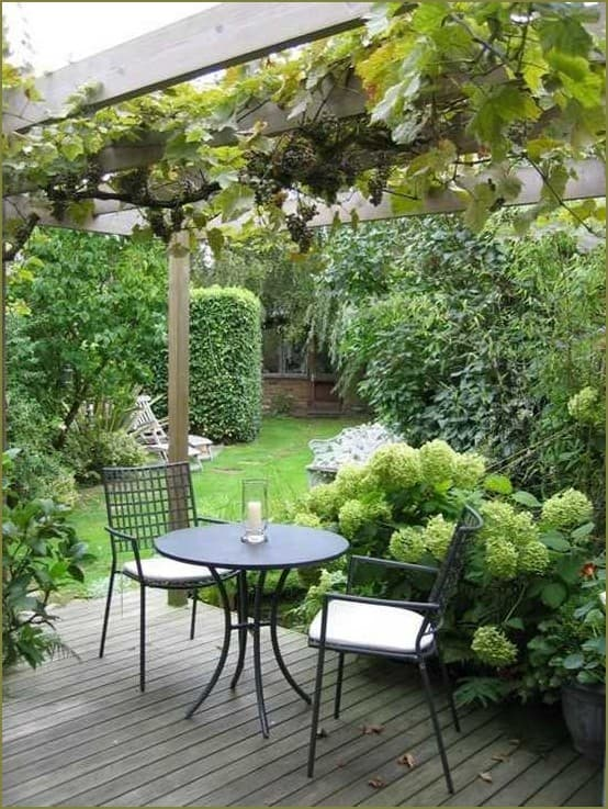 дизайн маленького двора