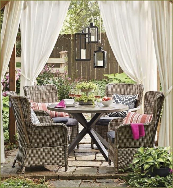 украшение шторами террасы загородного дома