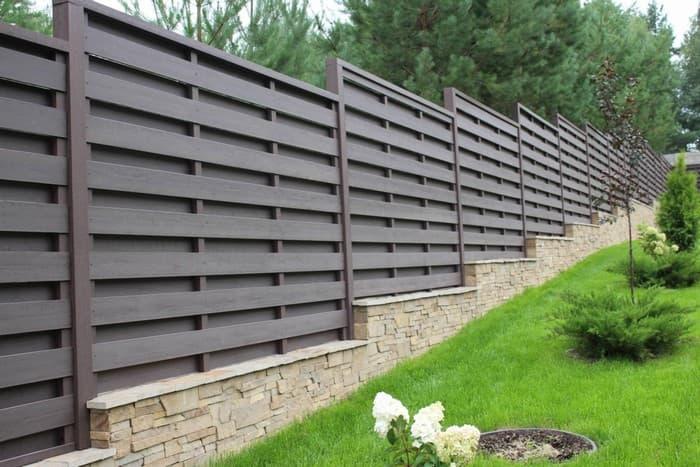 забор из древесно полимерного композита