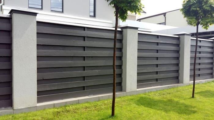 забор загородного дома из ДПК