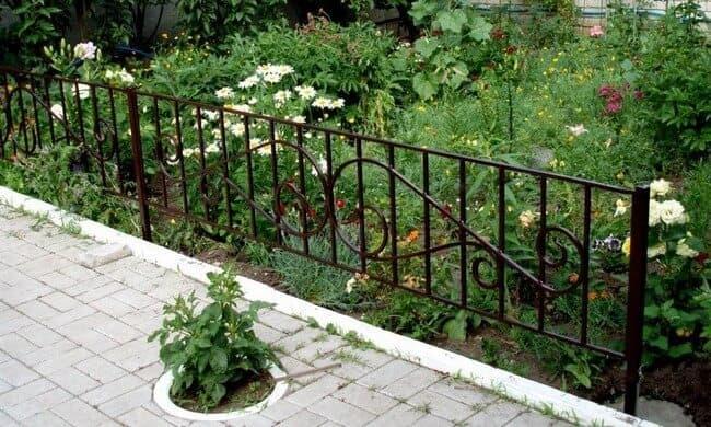 садовый заборчик для клумбы