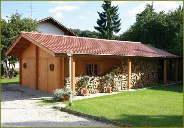 Баня дровяник и сарай под одной крышей