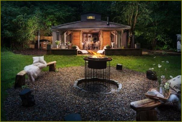 Уютный домик на даче