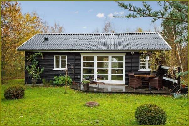 Летний деревянный дом