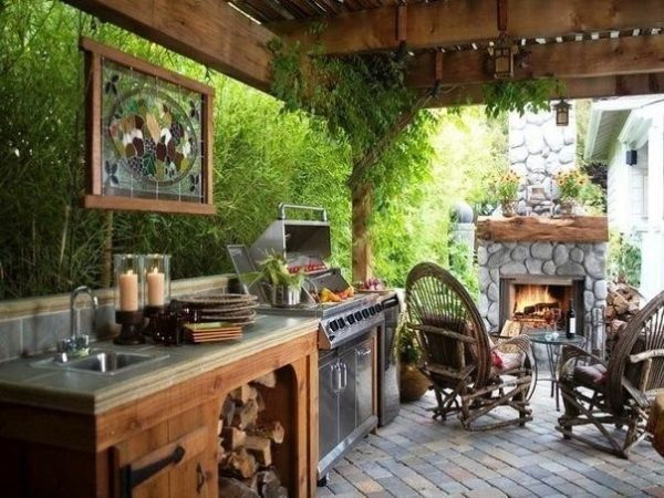 обустройство летней кухни на веранде частного дома