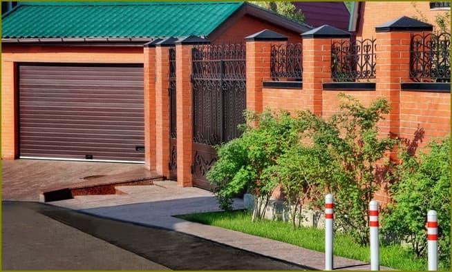кирпичный забор для частного дома
