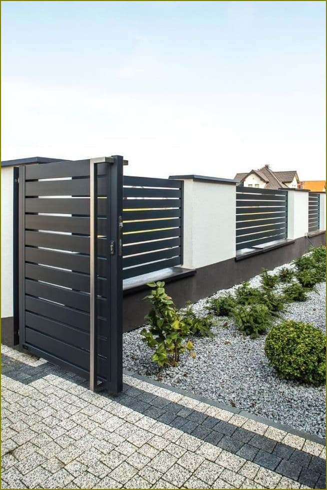 пластиковый забор для частного дома