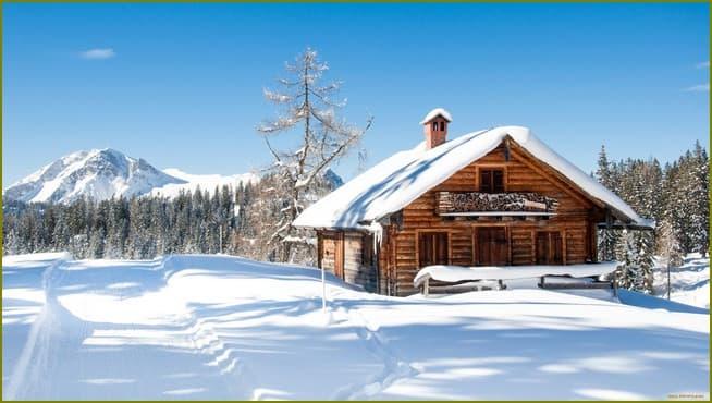 дачный дом зимой