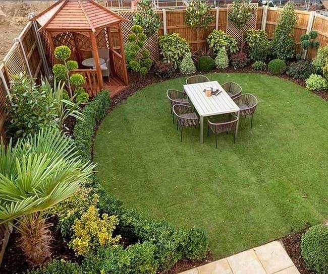 дизайн красивого двора маленького участка